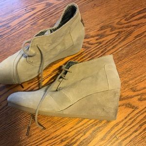 Toms wedge boots